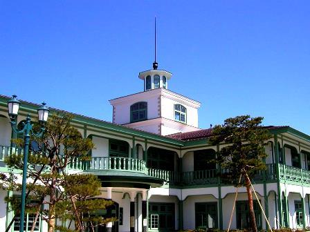 高山図書館外観